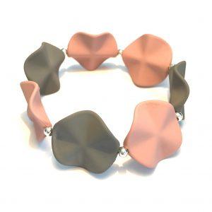 rosa-grått-pastell-elastisk-armbånd