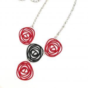 rødt-sort-smykke-halskjede