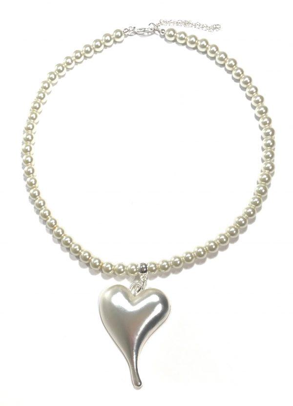 hvitt-perle-smykke-hjerte