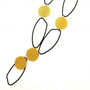 gult-sort-smykke-halskjede