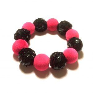 cerise-rosa-paljett-armbånd