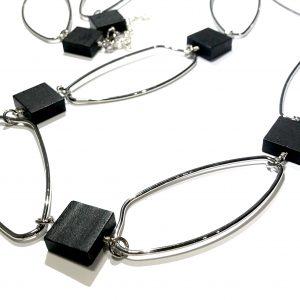 sort-sølv-langt-smykke-halskjede
