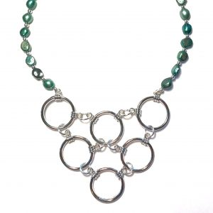 grønn-ferskvannsperle-smykke-halskjede