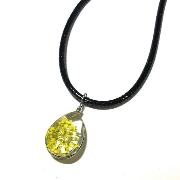 gul-blomst-smykke-halskjede