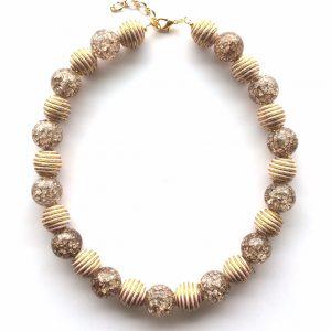 brun-beige-smykke-halskjede