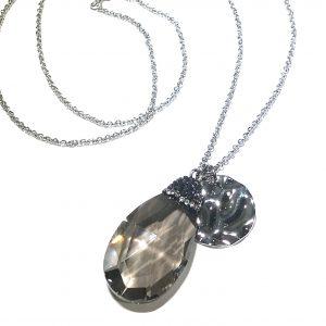grått-glass-smykke-halskjede