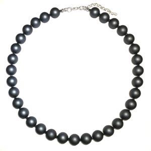 grå-perle-smykke-halskjede