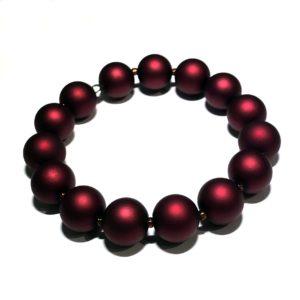 rød-matt-perle-armbånd
