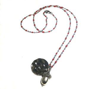 eik-nøtt-rød-smykke-halskjede