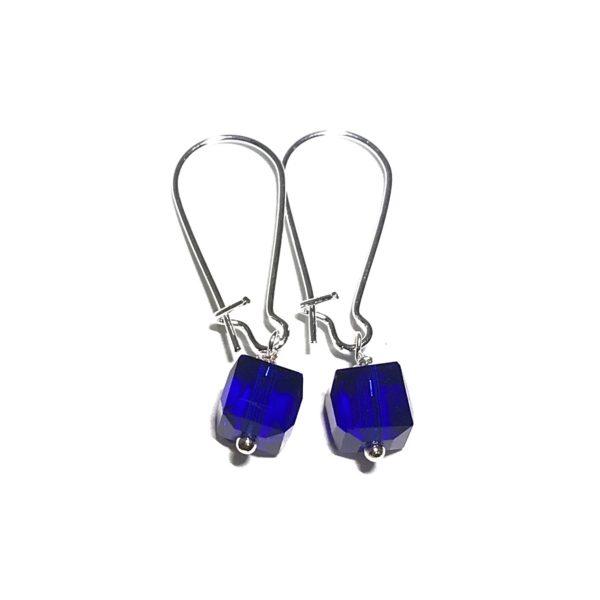blå-kube-øreanheng-ørepynt-øredobber