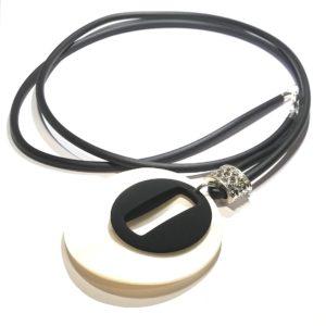 skjell-perlemor-gummi-smykke