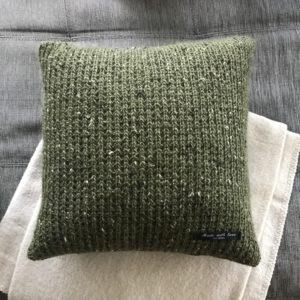pute-interiør-militær-grønn-alpakka-tweed-strikk